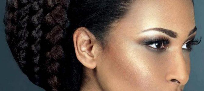 5 habitudes capillaires faciles à faire avant de se coucher pour avoir des cheveux parfaits le matin